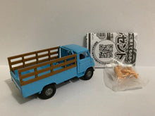 Load image into Gallery viewer, Takara Tomy Tomica Tomytec LV-72b Toyoace Livestock Vehicle (#Y)
