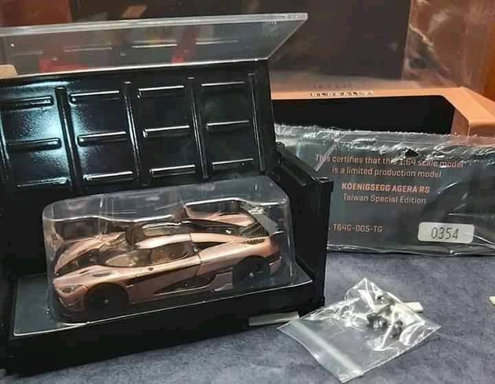 Preorder : Tarmac Works 1:64 Scale Koenigsegg Agera RS Taiwan Gold Exclusive with Container ~ ETA : Oct 2020