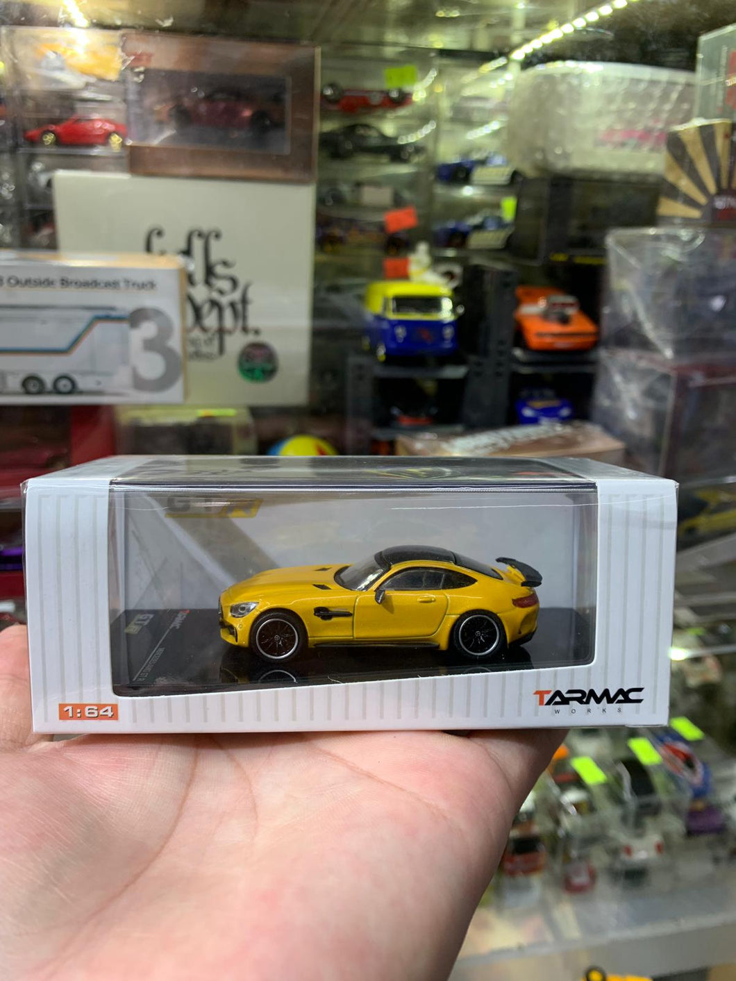 Tarmac Works 1/64 Mercedes AMG GTR Yellow