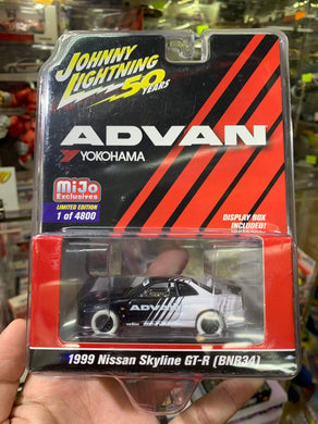 Johnny Lightning 1/64 Advan Yokohama Mijo Exclusive 1999 Nissan Skyline GT-R BNR34 White Lightning Chase