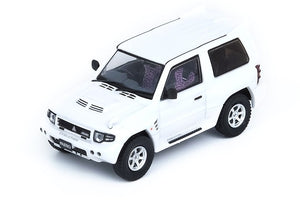 Preorder - INNO64 1/64 MITSUBISHI PAJERO EVOLIUTION White With Extra Wheels - Release Date : Aug 2021