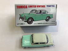 Load image into Gallery viewer, Tomytec Tomica Limited Vintage LV-25c Isuzu Hillman Minx (Green and White)