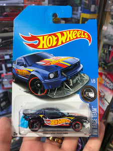 Hot Wheels 1/64  2005 FORD MUSTANG ( Super Treasure Hunt ) International Card