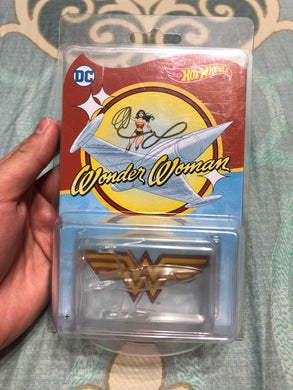 Hot Wheels 2017  Wonder Woman Invisible Jet