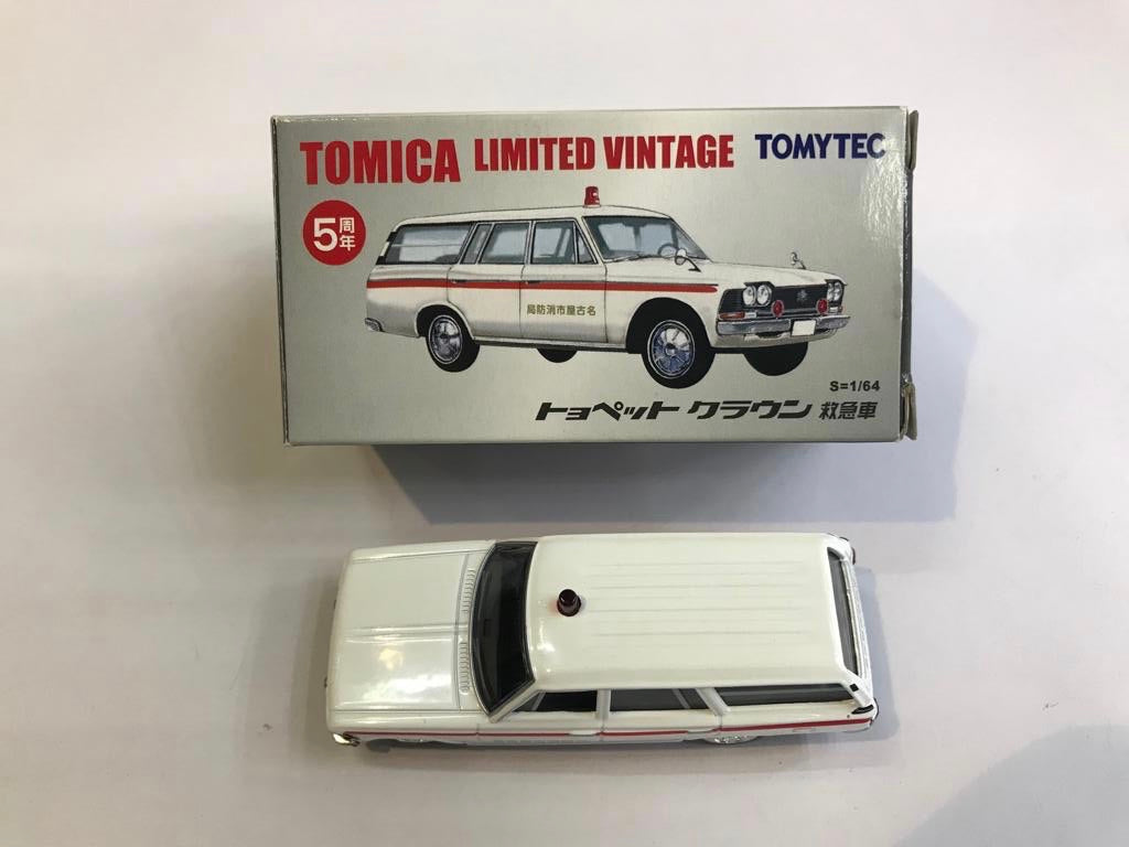 Tomytec Tomica Limited Vintage Toyopet Crown Ambulance