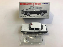 Load image into Gallery viewer, Tomytec Tomica Limited Vintage LV-170a Toyota Patrol FA20 (大阪府警)