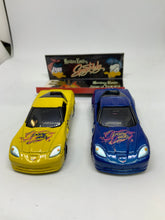 Load image into Gallery viewer, Takara Tomy Tomica CHEVROLET CORVETTE Z06 Masakazu Kawato & Spacy Ducky