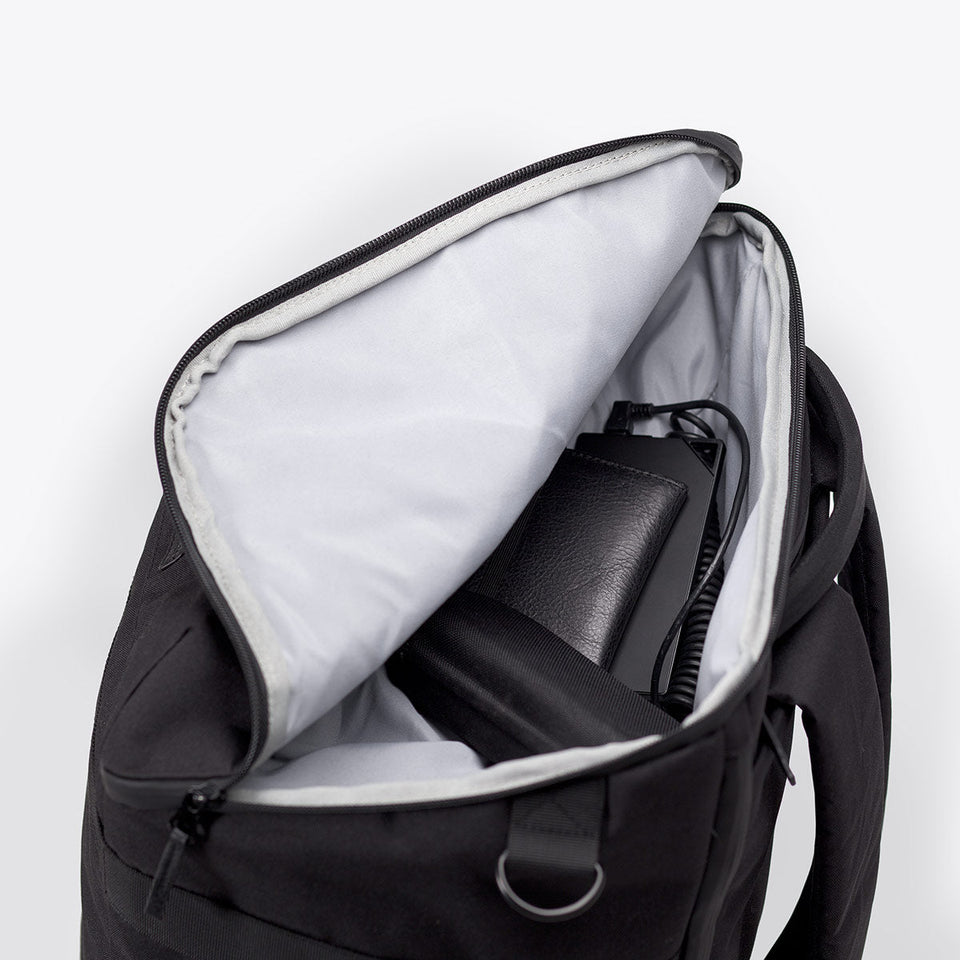 Ucon Acrobatics • Arvid Backpack • Stealth Series (black)