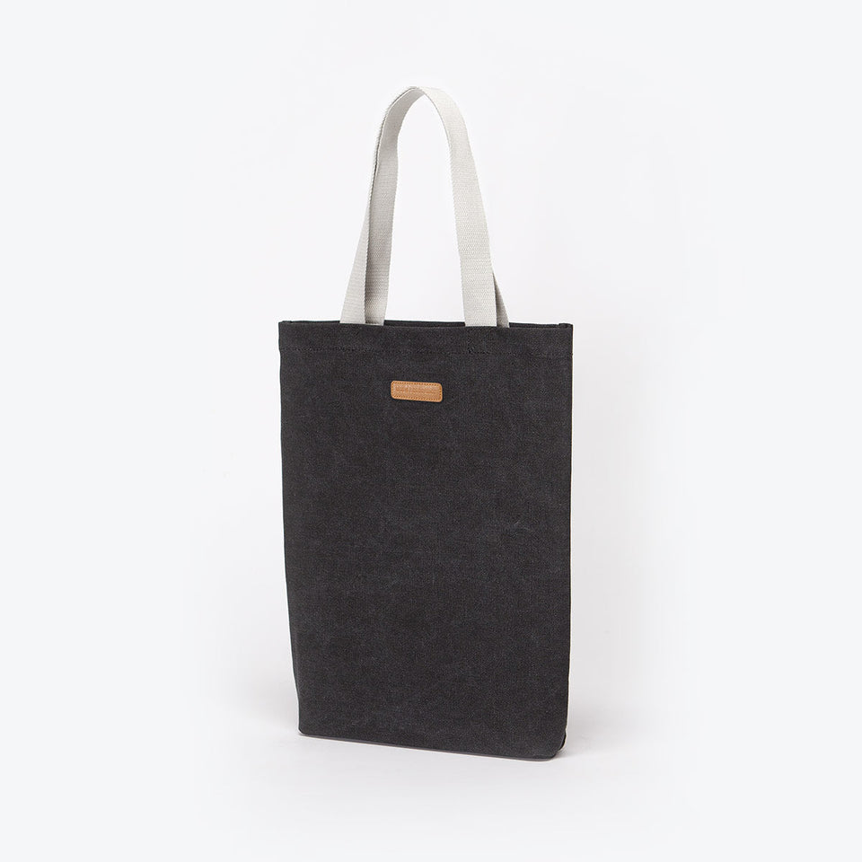 Ucon Acrobatics • Finn Bag • Original Series (Black)