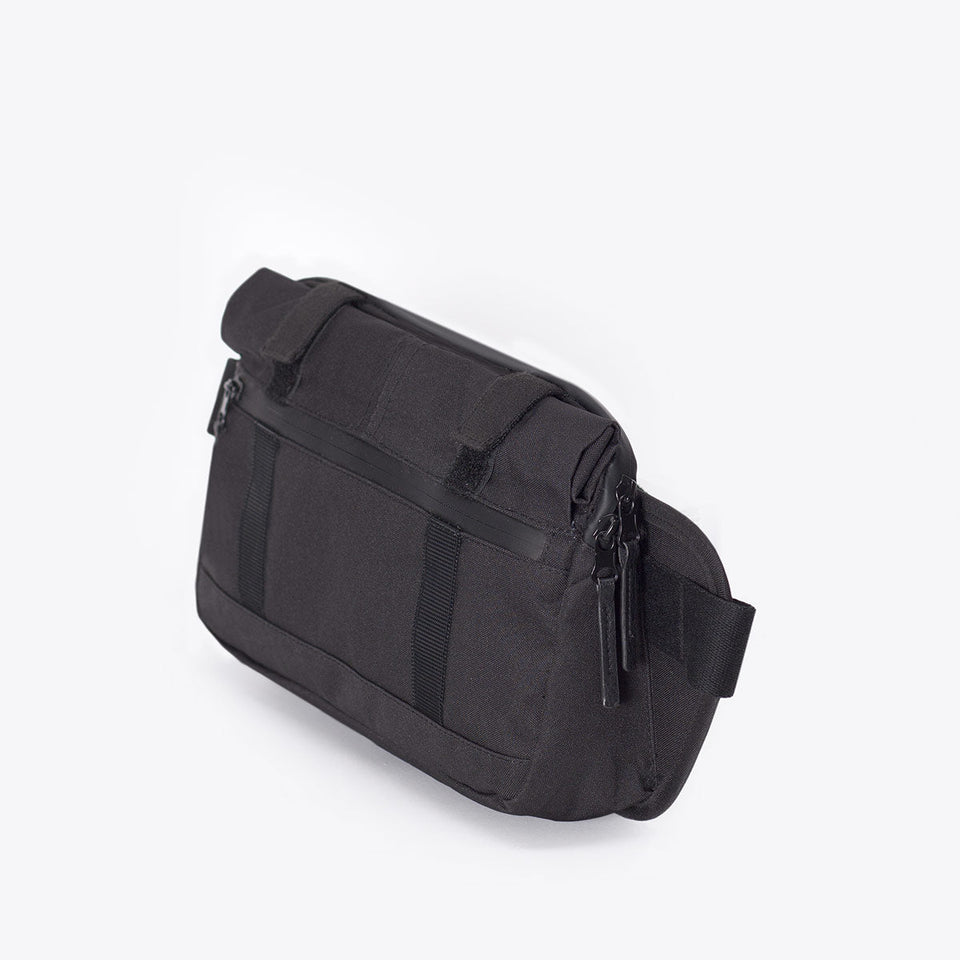 Ucon Acrobatics • Luca Bag • Stealth Series (Black)