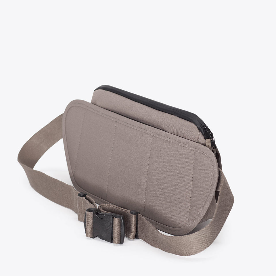 Ucon Acrobatics • Luca Bag • Stealth Series (Taupe)