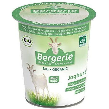 Goat milk yogurt bergerie