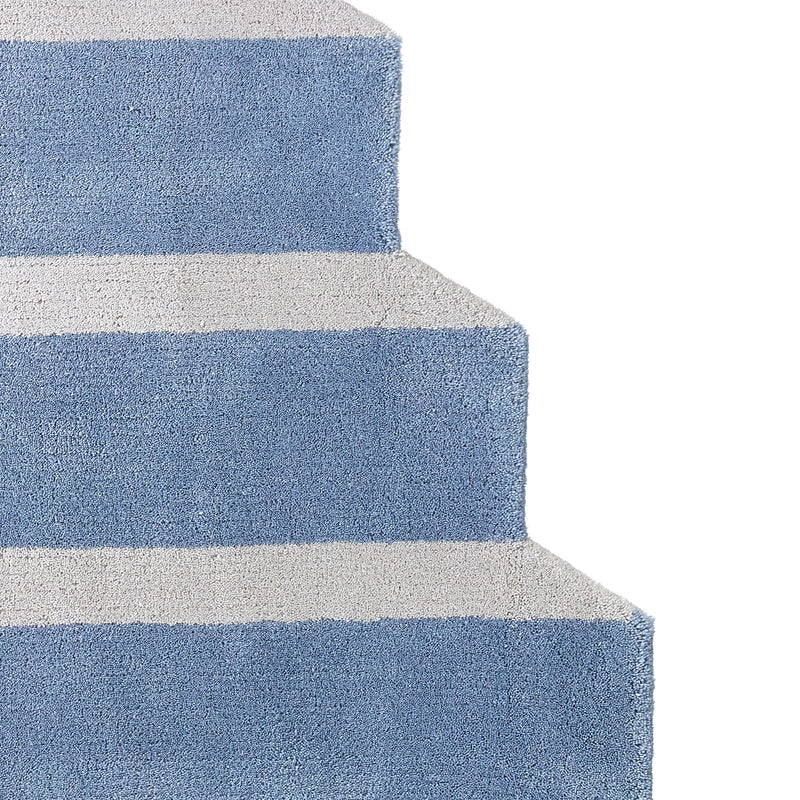 Wavy Gradient Rug - Gray Stairs Rug