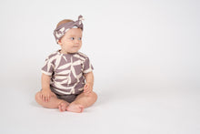 Load image into Gallery viewer, Omamimini Baby t-shirt