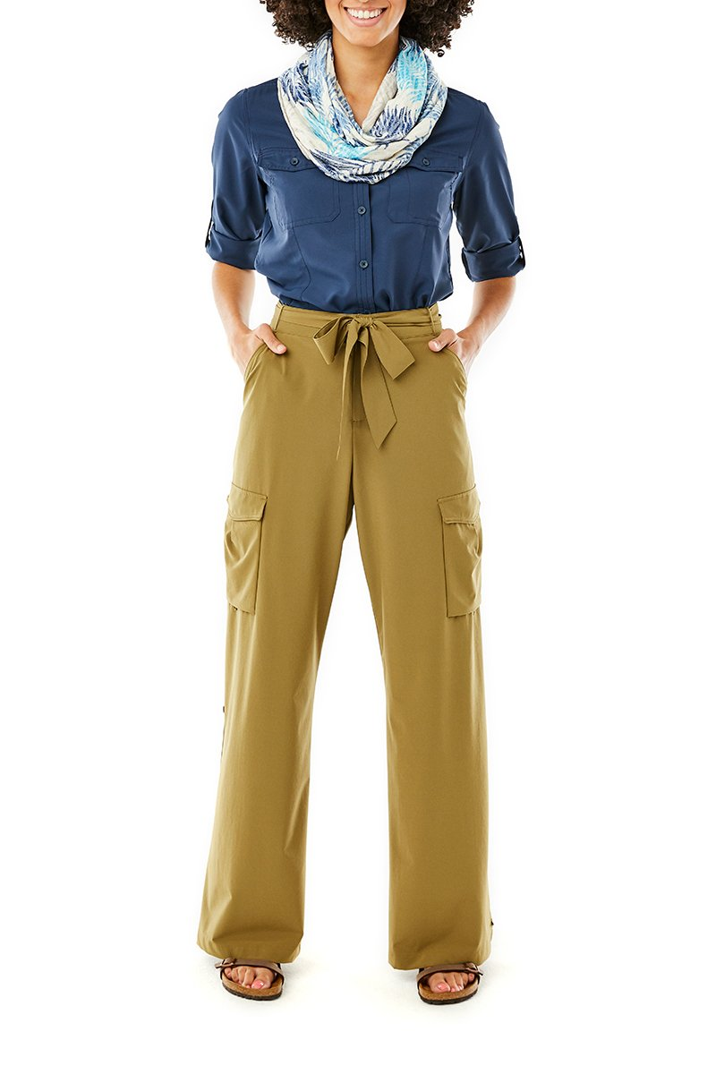 products/WR7_SPOTLESS-TRAVELER-CARGO-PANT_Y324007_605_Y321407_722_Y329001_022_2461.jpg