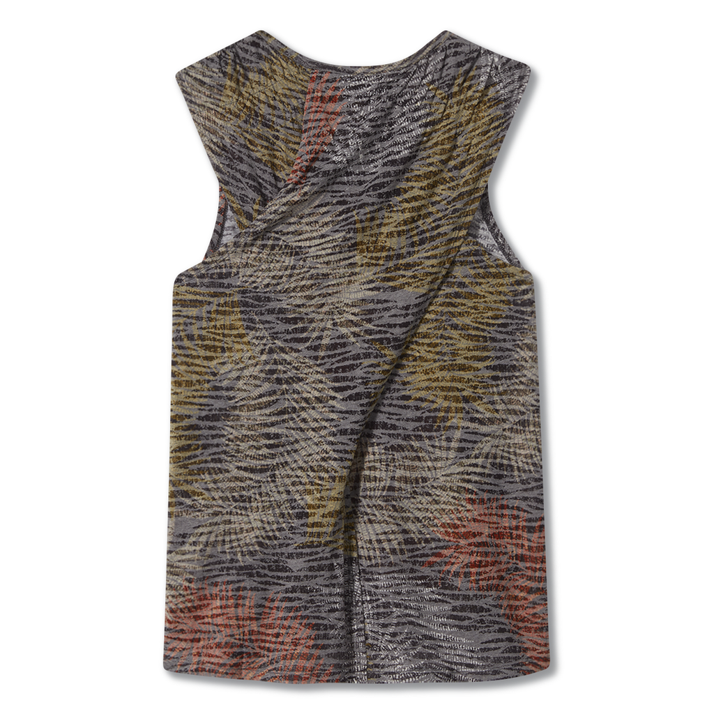 products/Y310008_568_HERO_B_W_FEATHERWEIGHT-TANK_31840dc6-20e5-4cb7-8447-3b8e04b6ff11.png