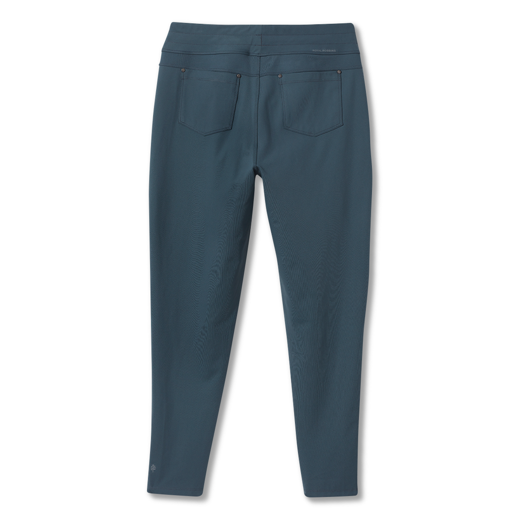 products/Y314001_696_HERO_B_W_JAMMER-KNIT-ANKLE-PANT.png