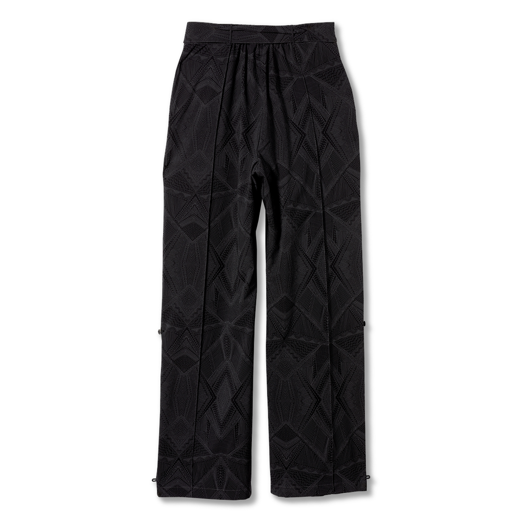 products/Y324007_568_B_W_SPOTLESS-TRAVELER-CARGO-PANT_2eea5468-1362-44b5-98eb-561e633fc9ae.png