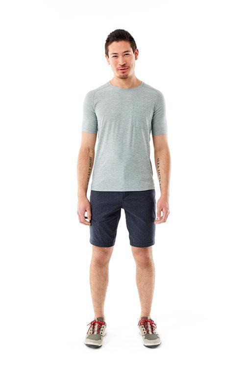 Stretch performance and saddle shoulder Men's Tech Travel Tee
