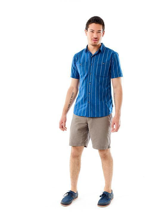 Multiple pockets: chest button-secured pockets, chest hidden zipper pocket Men's Vista Dry Short Sleeve
