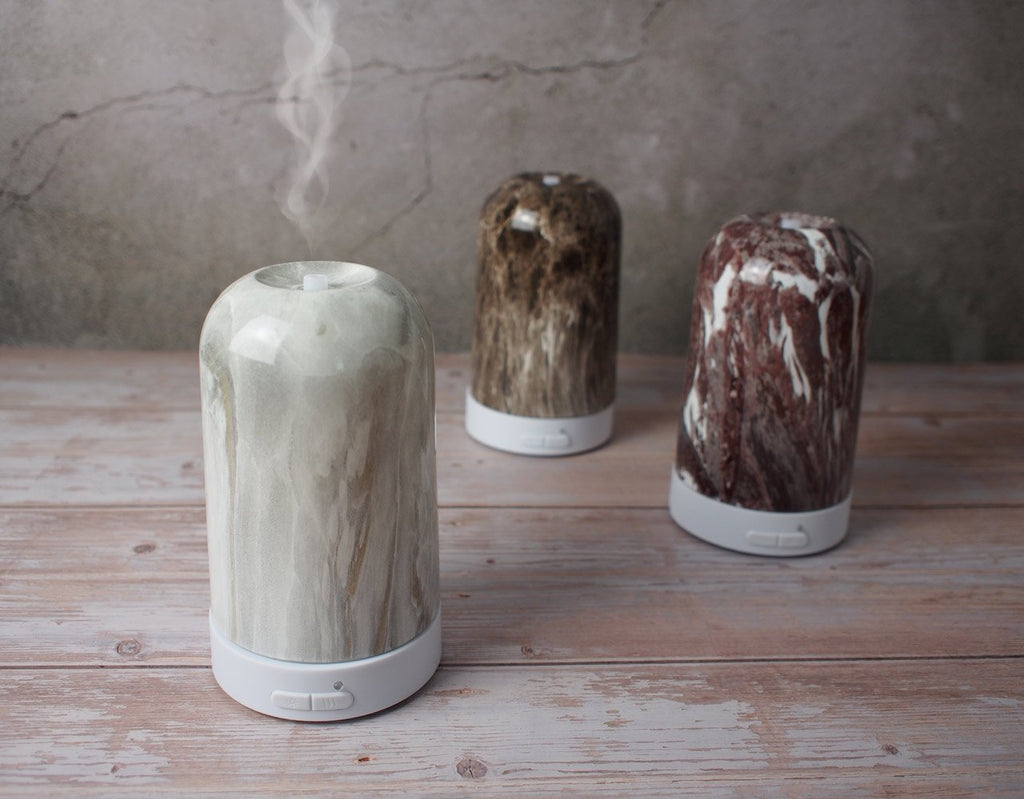 How to Beat the Winter Blues with an Aroma Diffuser