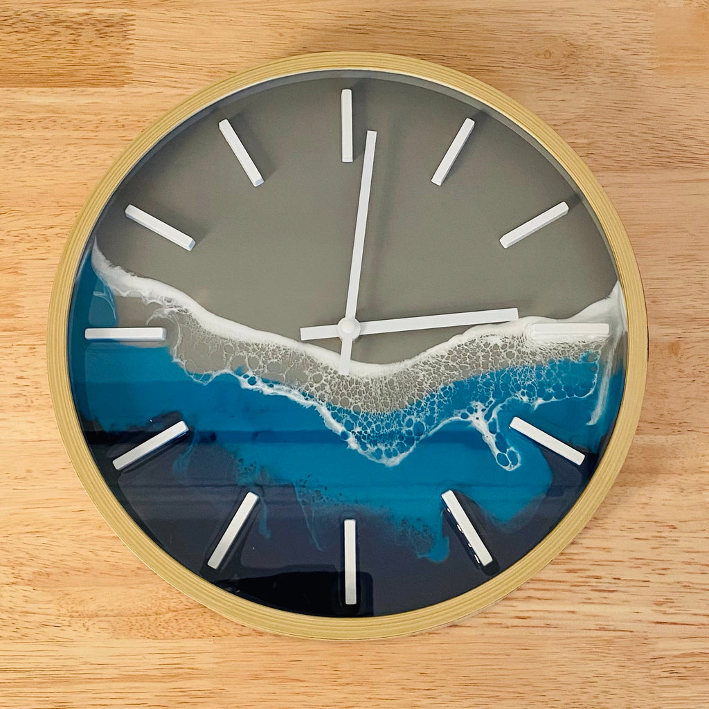 Ocean Resin Clock with wood look edge