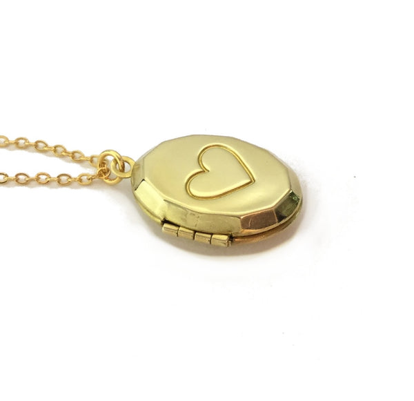 keepsake heart locket