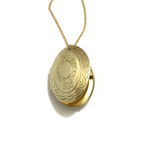 Golden Oval Floral Locket
