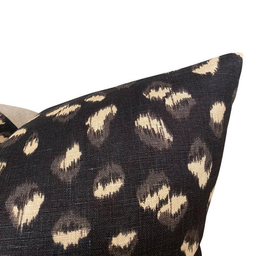 Kelly Wearstler Lee Jofa Feline in black