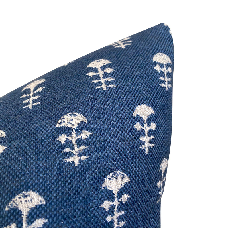 Walter G OUTDOOR Pillow Cover Yukka in Atlantic