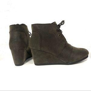 Sabrine Brown Boots Lace-Up Boots - The Shoe Trunk