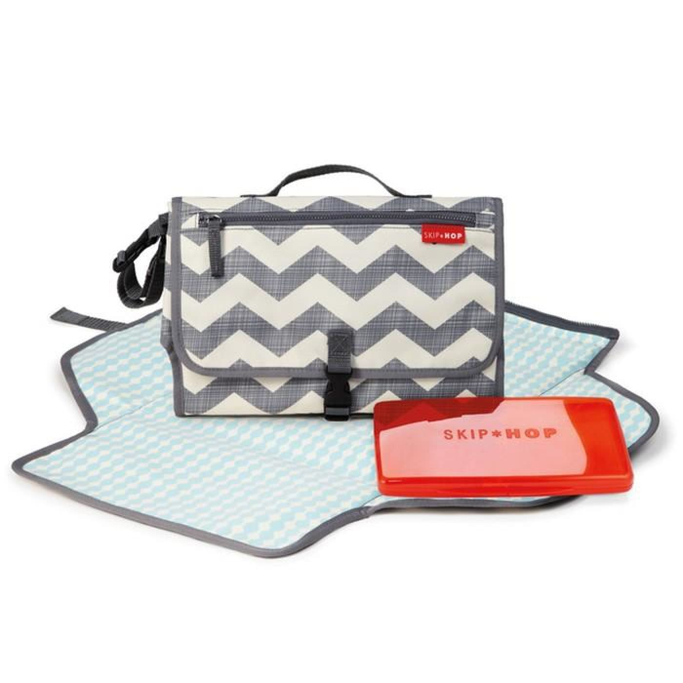 Skip Hop Pronto Changing Station - Chevron - ON THE GO - NAPPY BAGS/LUGGAGE