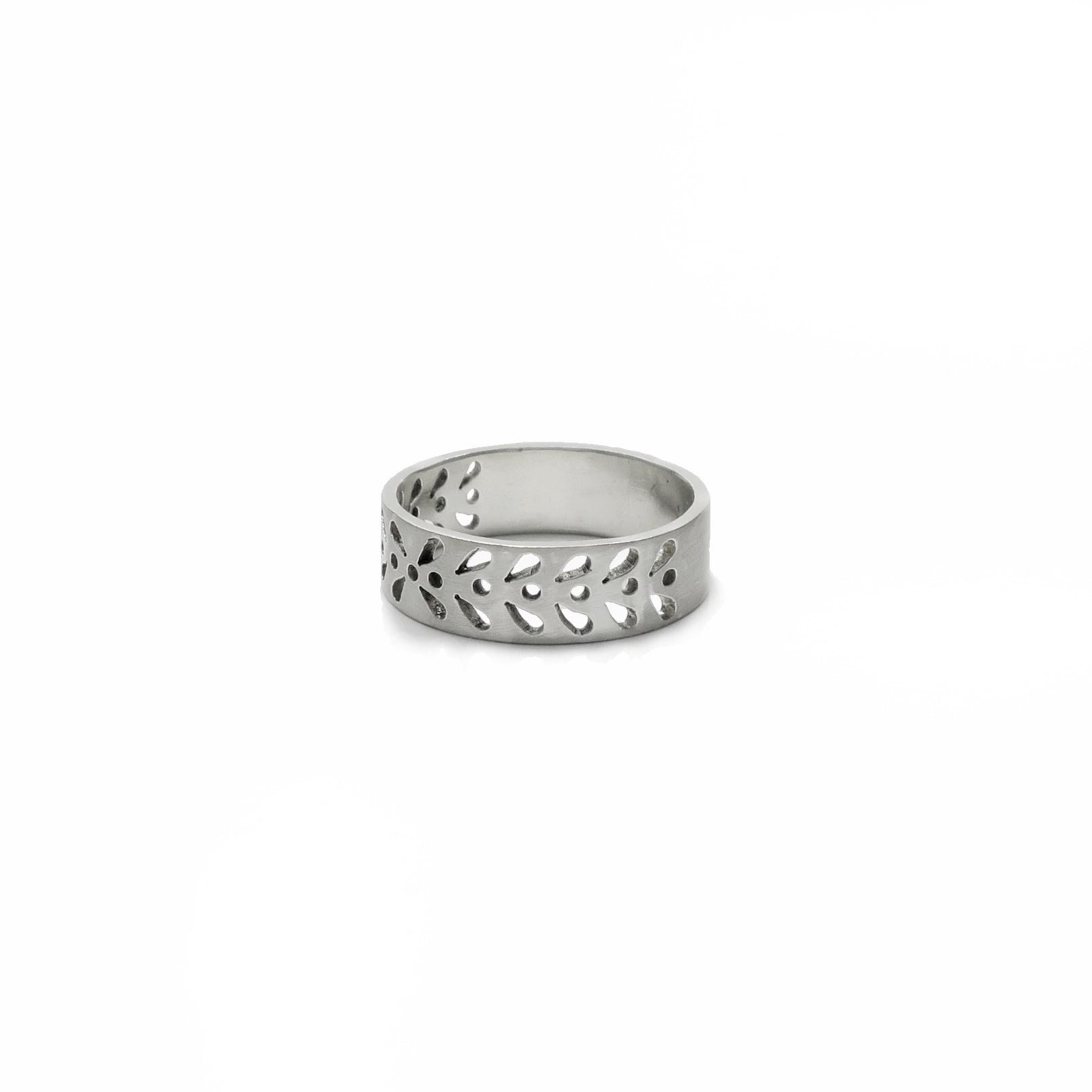 Garland Cut Out Ring