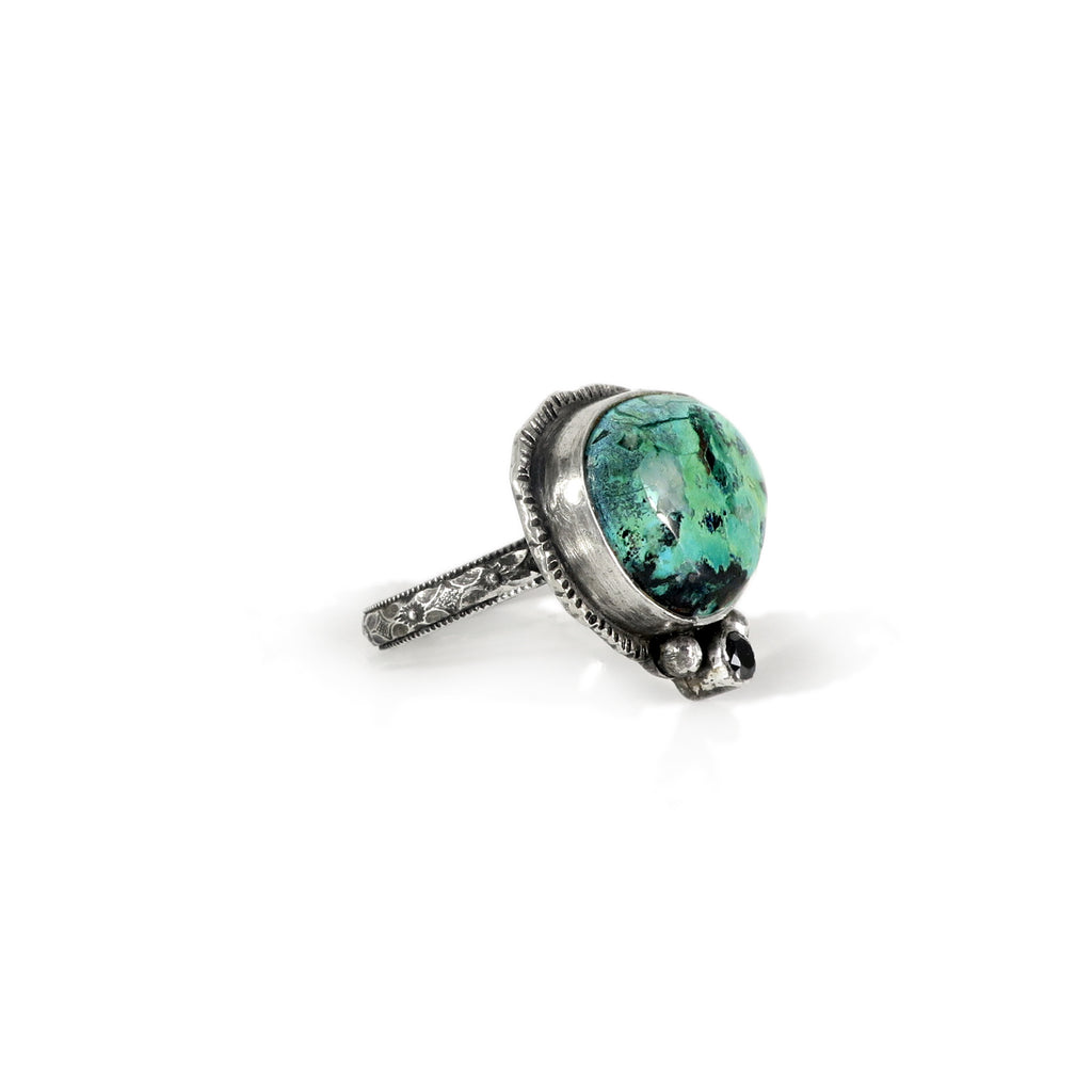 unEarthed ring with azurite and black gem