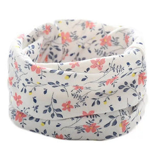White Flowery Snood