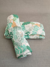 Load image into Gallery viewer, Rainforest Animals Muslin Set