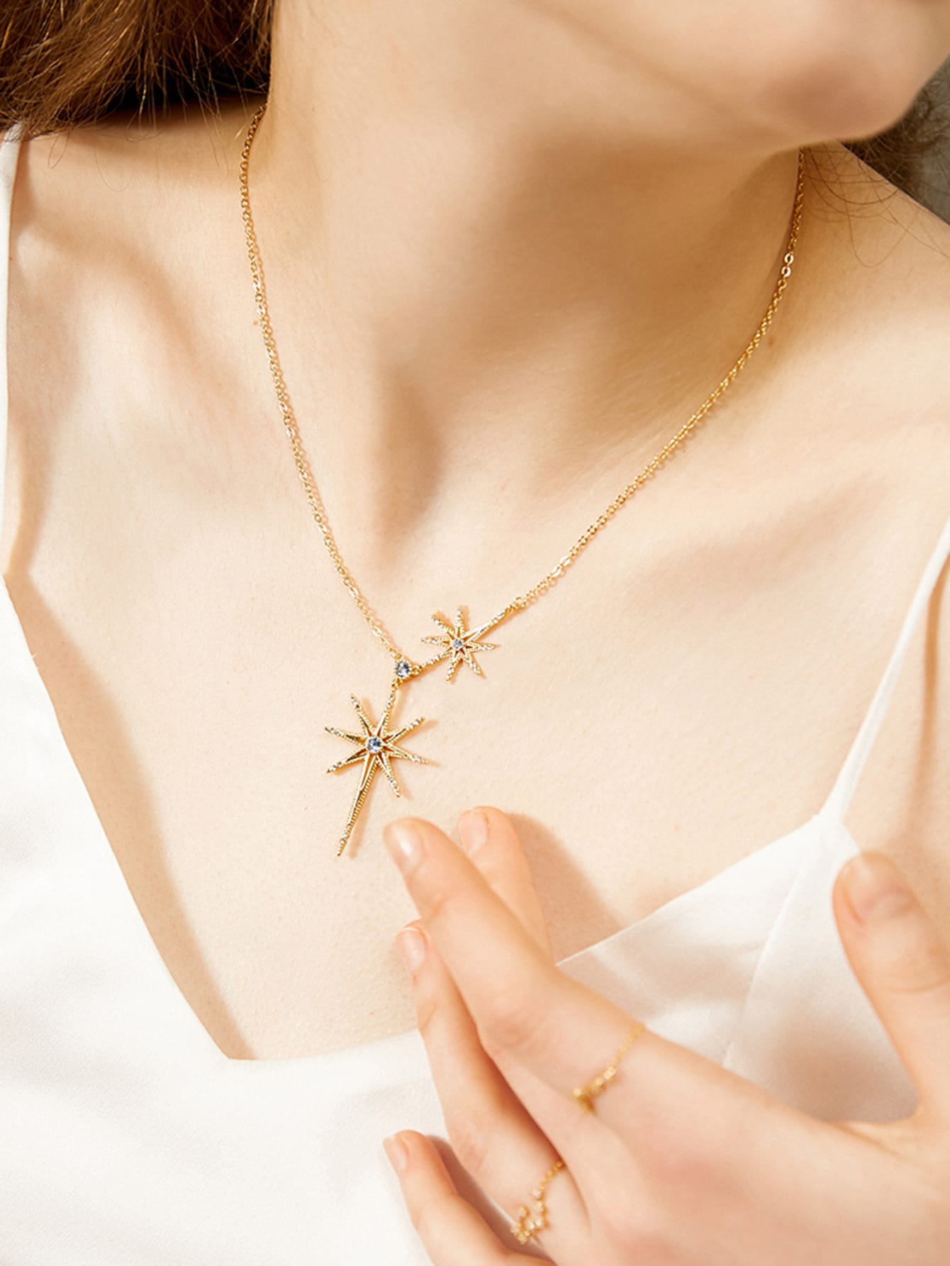 1pc Golden Star Rhinestone Engraved Pendant Necklace