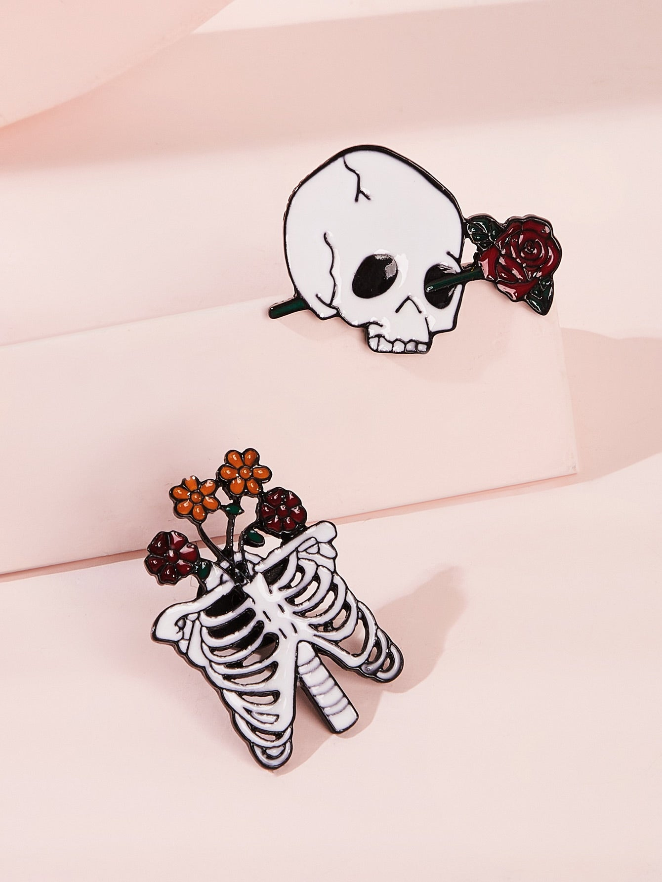 Grey 2pcs Skull & Rose Decor Brooches