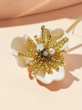 Load image into Gallery viewer, Golden And Yellow Flower Design With Bar 1 Pair Stud Earring