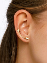 Load image into Gallery viewer, Arrow Detail Arc Shaped Golden Bar Stud Earrings 1 Pair