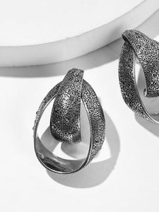 Grey Textured Rhinestone Engraved 1pair Hoop Earrings