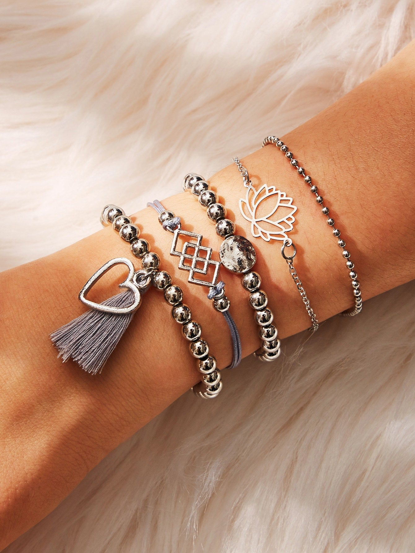 Grey 5pcs Lotus & Tassel Detail Silver Metal Beaded Bracelet