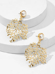 Golden Branch Engraved With Faux Pearl Drop Dangle 1 Pair Earrings
