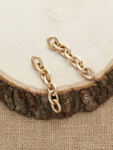 Load image into Gallery viewer, Golden Matte Mini Chain Link Dangling Earrings