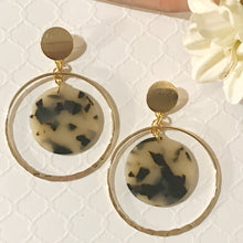 Load image into Gallery viewer, Hillary Gold Plated Brass Acrylic Resin Hoops Earrings