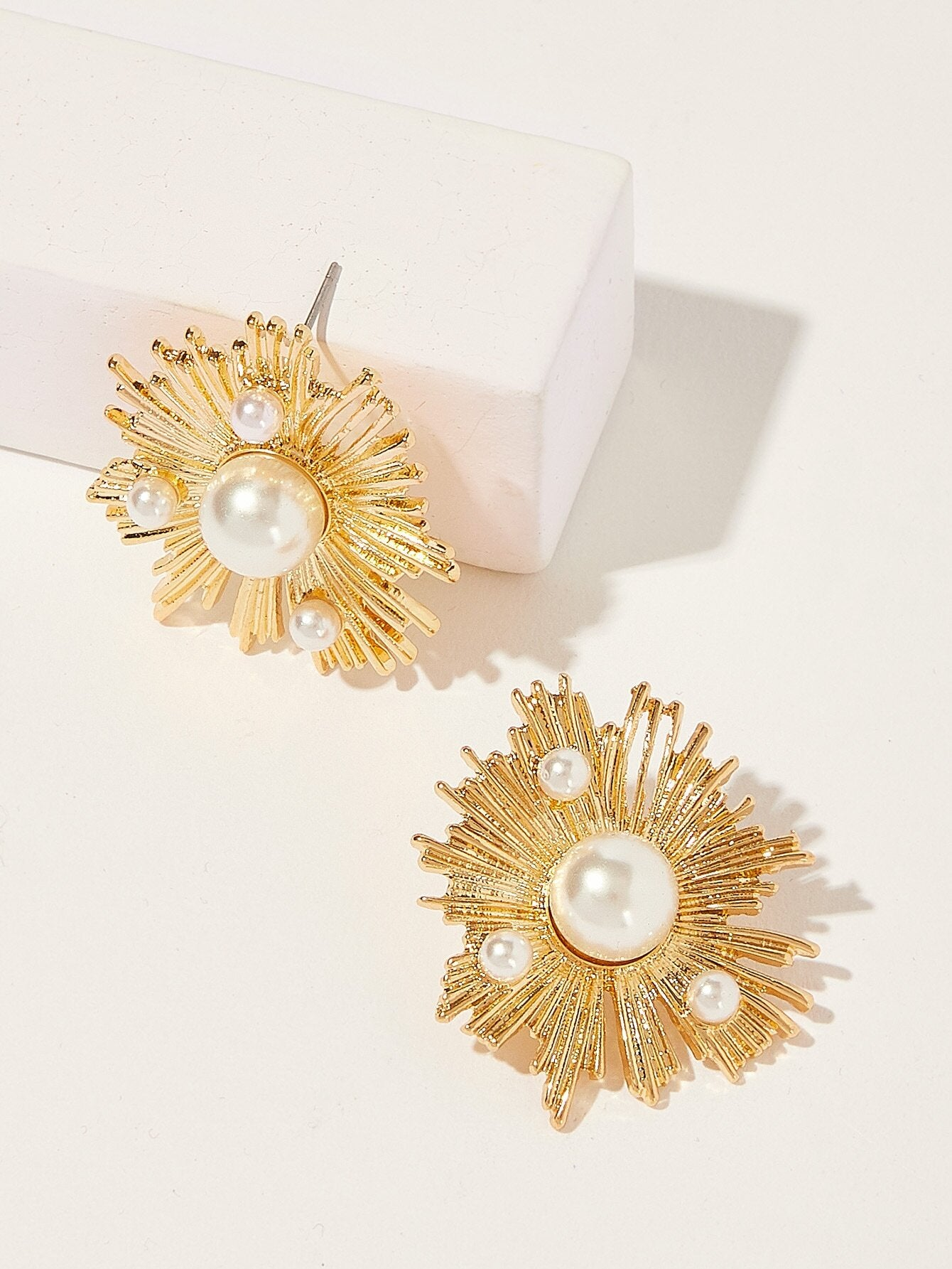 Golden Faux Pearl Decor 1pair Alloy Stud Earrings