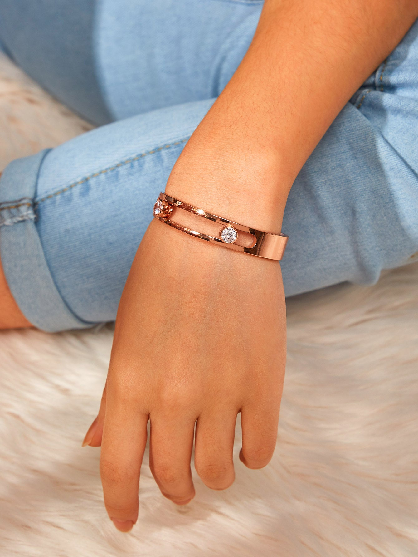 Golden Hollow Detail Cuff With Gemstone Bangle 1pc