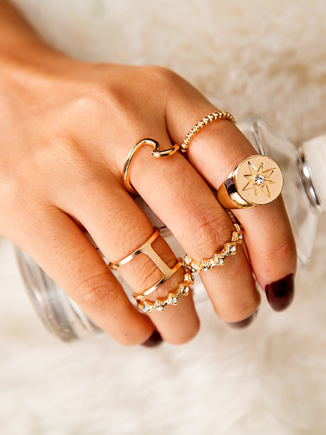 Golden Hollow Out Rhinestone Engraved 5pcs Ring Set
