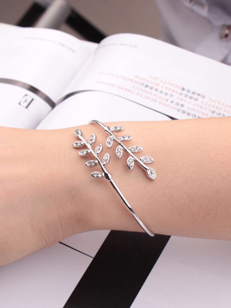 Grey 1pc Rhinestone Leaf Metal Wrap Bangle