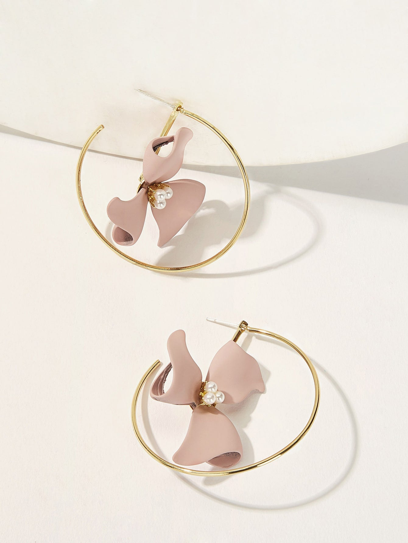 Pink Flower Cut Hoop With Faux Pearl Earrings 1pair
